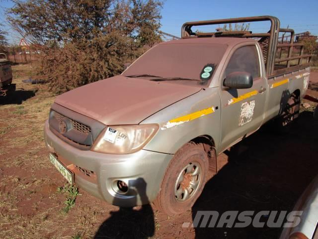 Toyota Hilux D4D 2 5 SRX Bakkie/LDV - Pick up/Dropside, Year