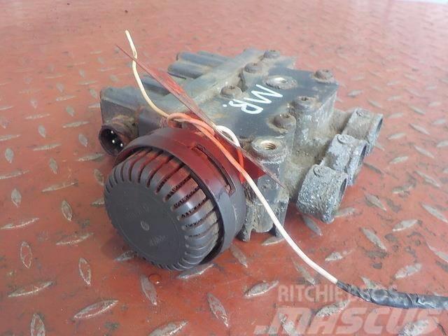 Mercedes-Benz Actros MPIII ECAS valve 3278525 465544