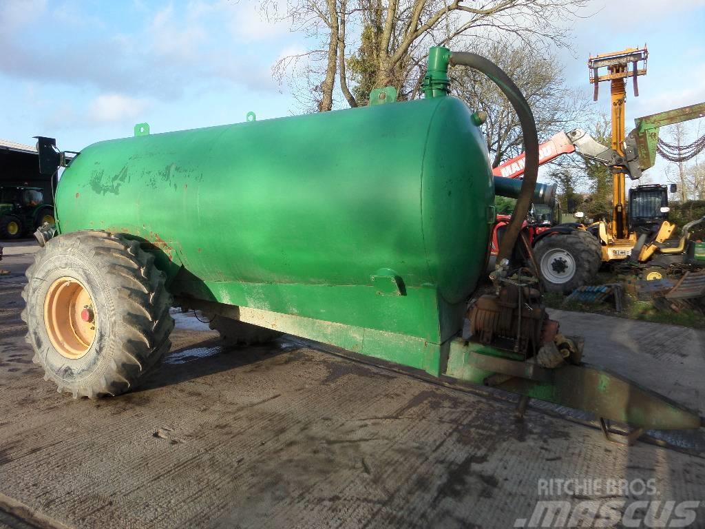 Major 1600 gallons