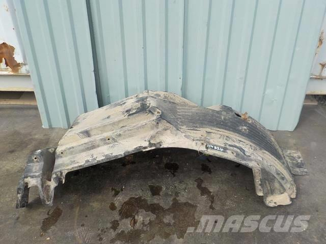 MAN TGA Fender front / front part 81612300210