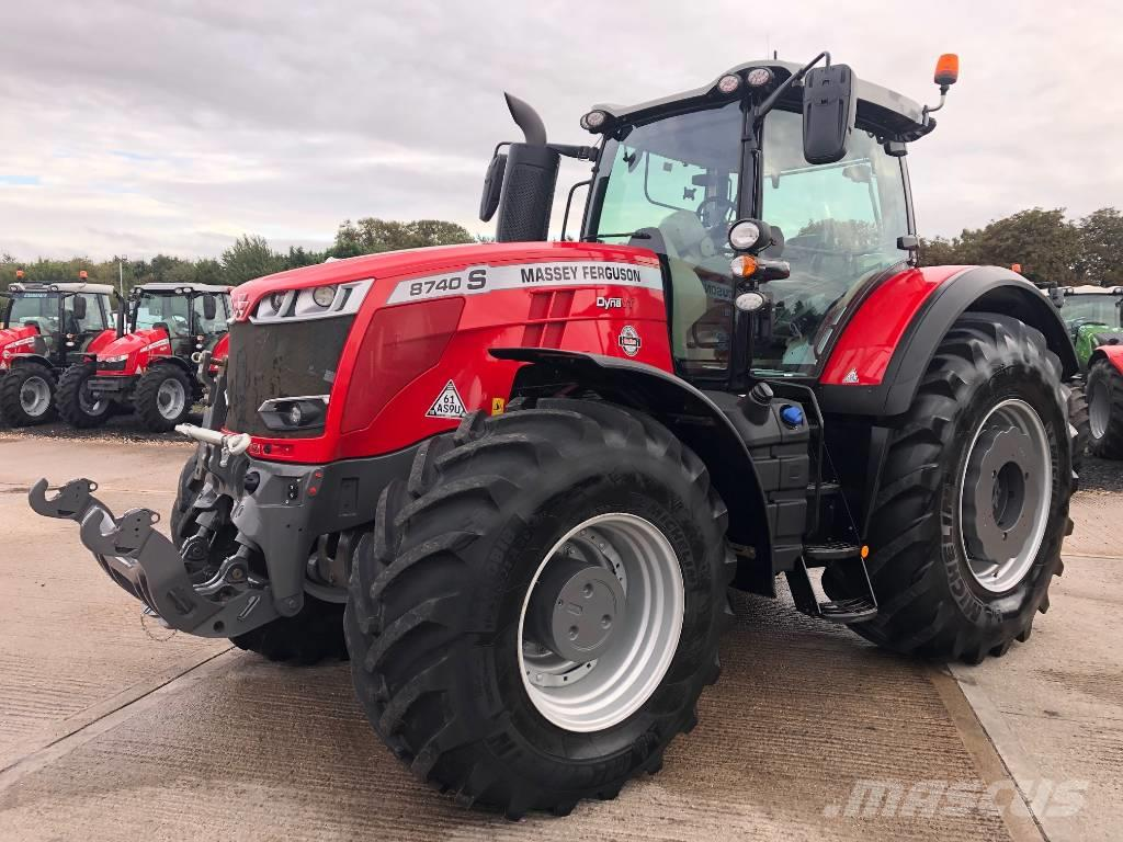 Massey Ferguson 8740 S Exclusive