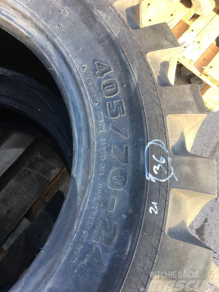 [Other] Reifen Mitas 405/70-24 8115