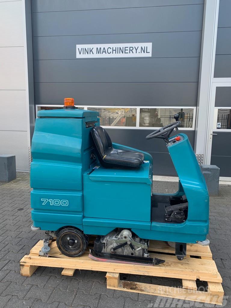 Tennant 7100 Schrobmachine