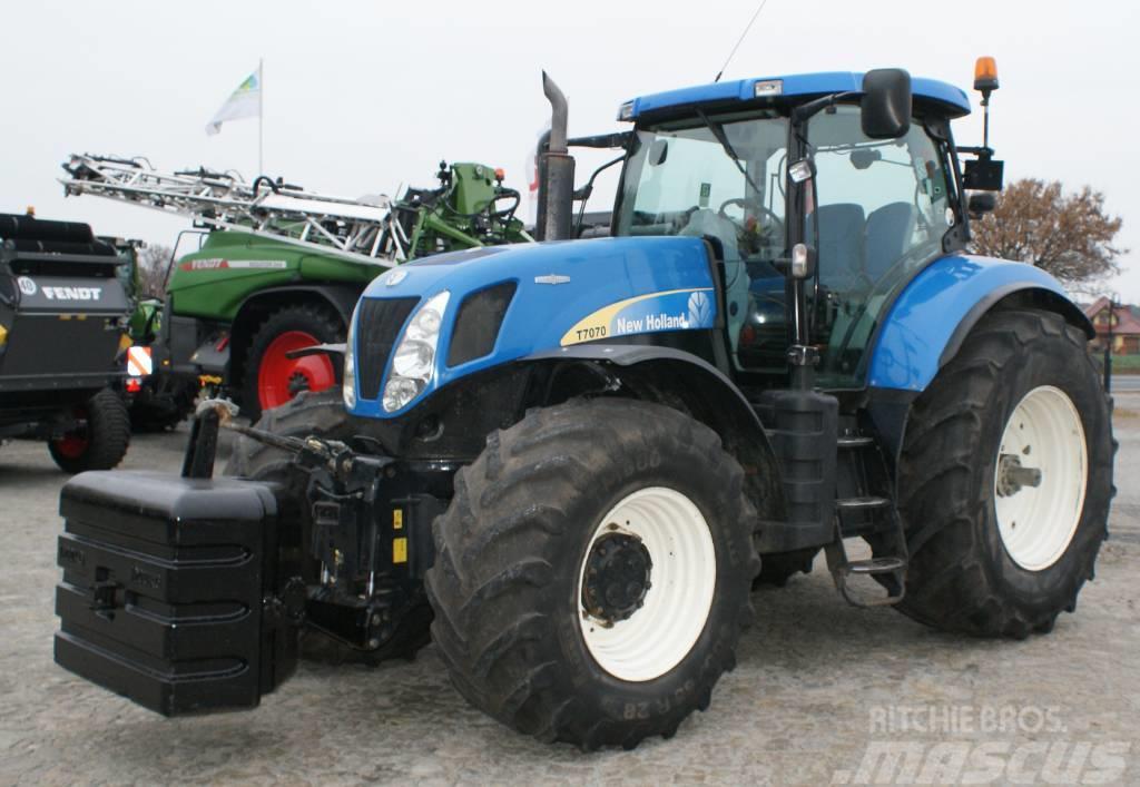 New Holland T7070 ciągnik rolniczy