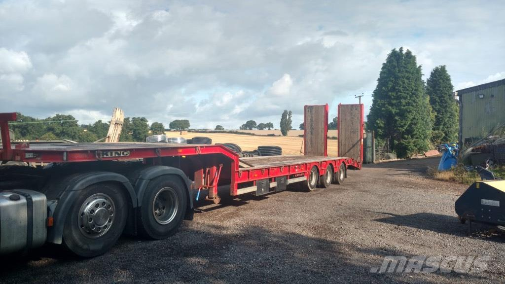 King GTS 44 Tri-axle low loader trailer