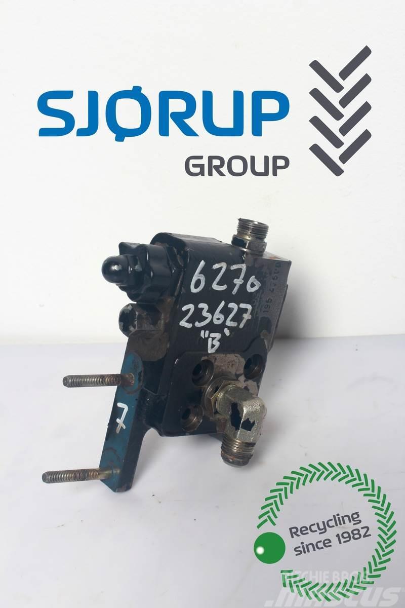 Massey Ferguson 6270 Remote control valve