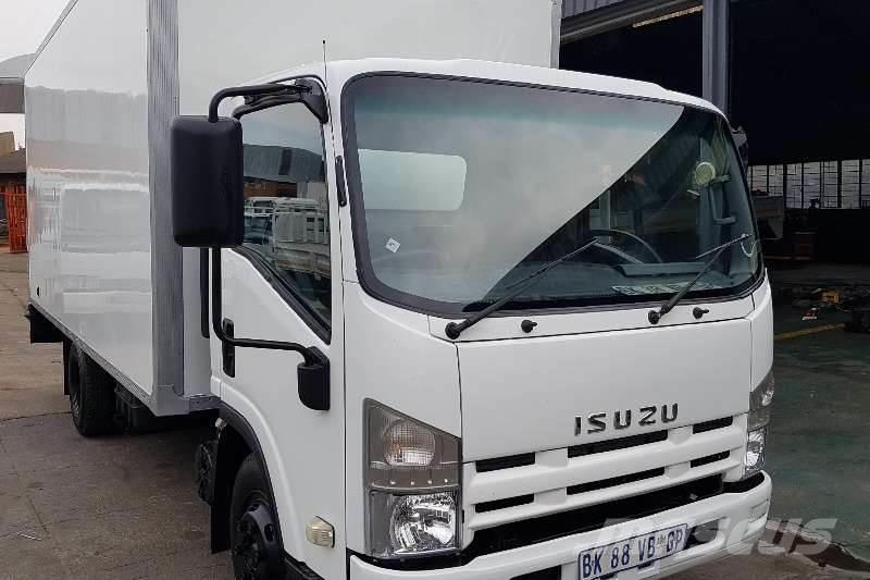 isuzu npr400 occasion prix 16 704 ann e d 39 immatriculation 2011 autre camion isuzu npr400. Black Bedroom Furniture Sets. Home Design Ideas