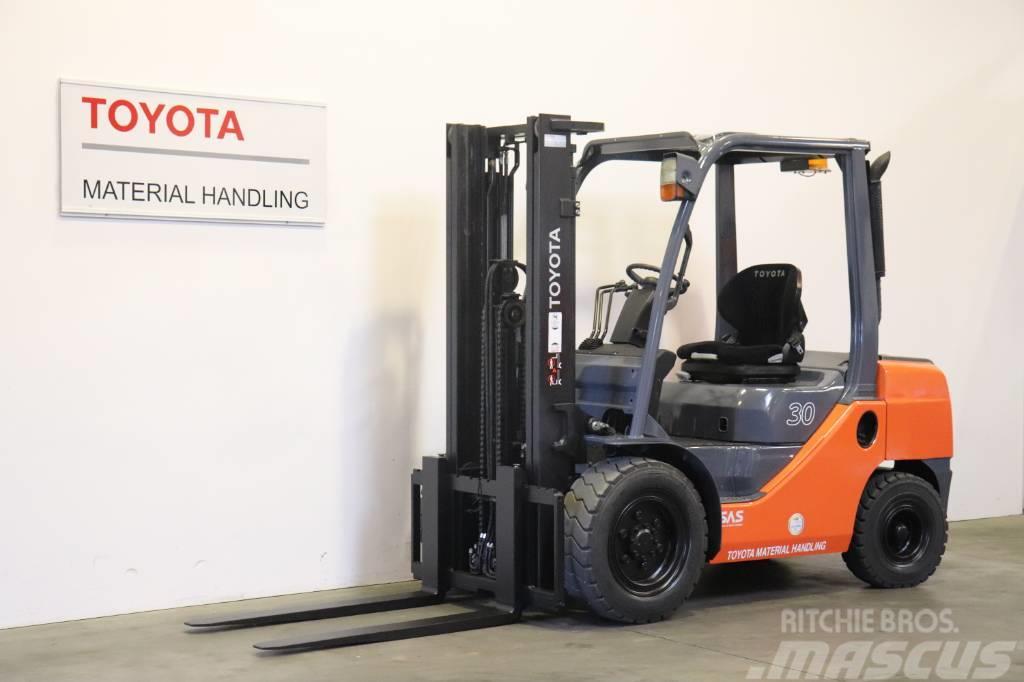 Toyota 02-8 FD F 30