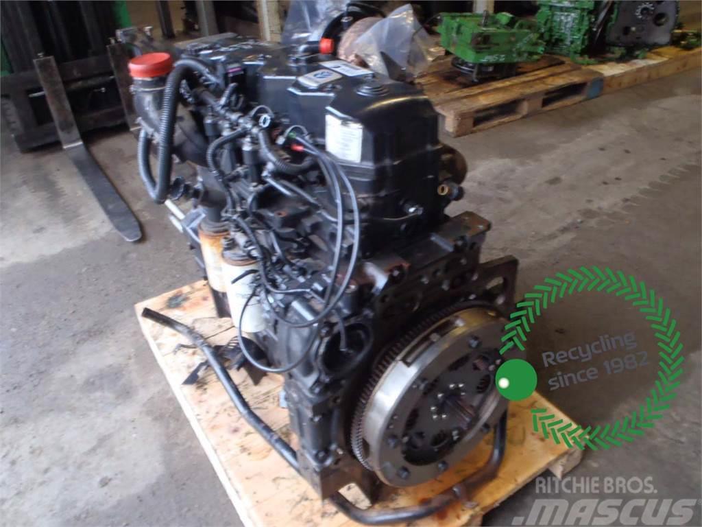New Holland T6070 Engine