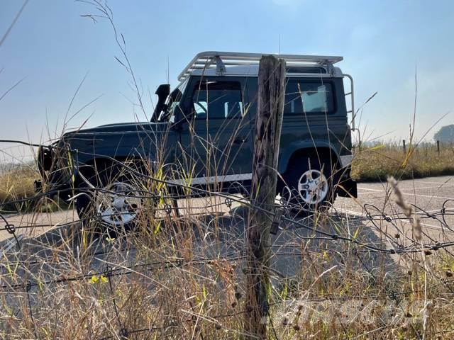 Land Rover Defender 90 Challenge Specifications