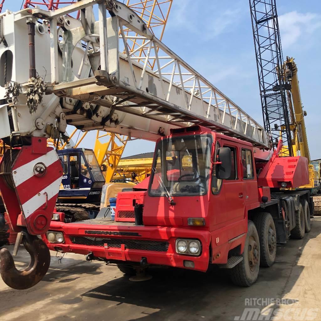 Tadano TG500E-3  50t truck crane