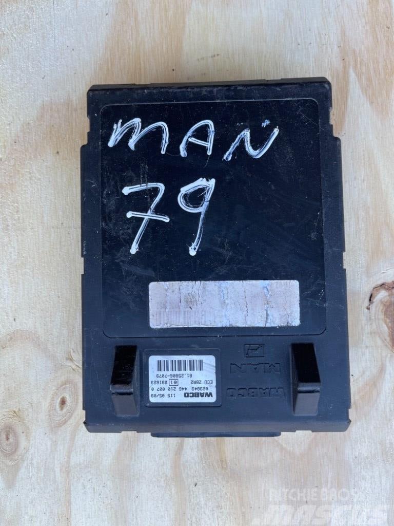 MAN KONTROL BOKS / ECU (P/N: 81.25806-7079)