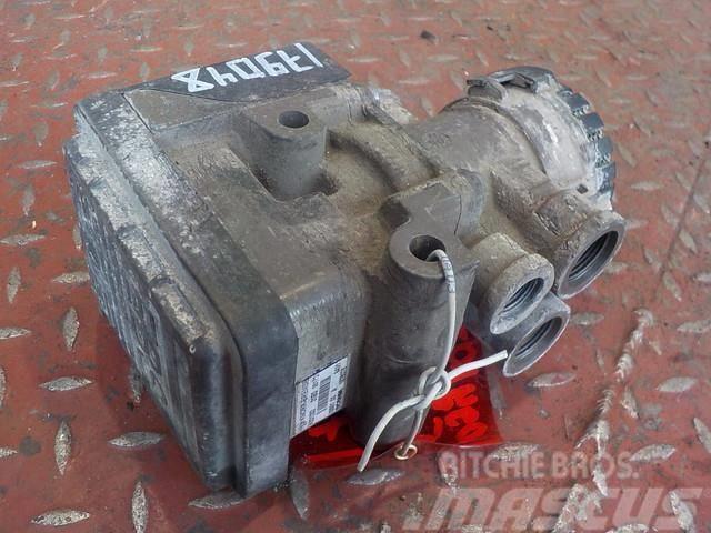 Scania P,G,R series EBS modulator 1857012 1442935 1754939