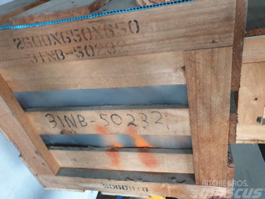 Hyundai Cylinder boom, RH R450LC-7, 31NB-50232