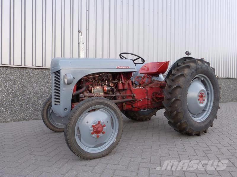 Massey Ferguson FF 30 DS