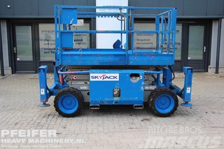 SkyJack SJ6826RT Diesel, 4x4 drive, 9.9m working Height, R