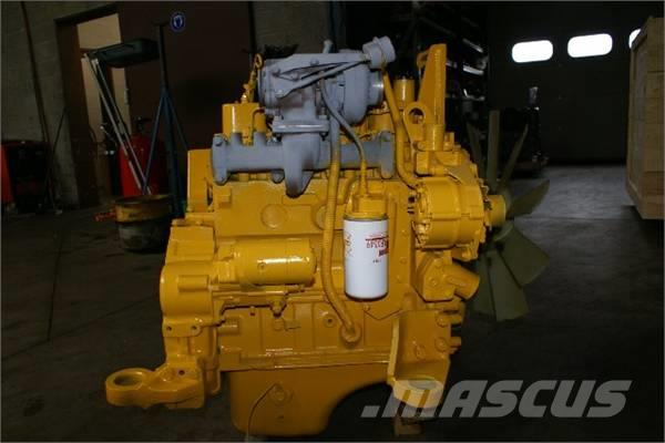 Komatsu SA4D102E, 2012, Motorer