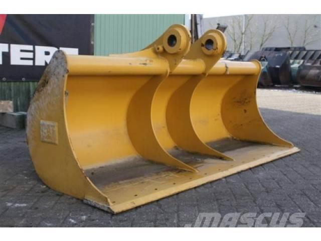 Caterpillar Ditch Cleaning Bucket DC 4 2134 0.94