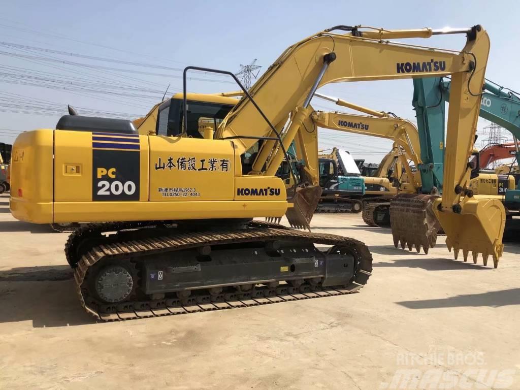 Komatsu PC200-7  PC220-7挖掘机