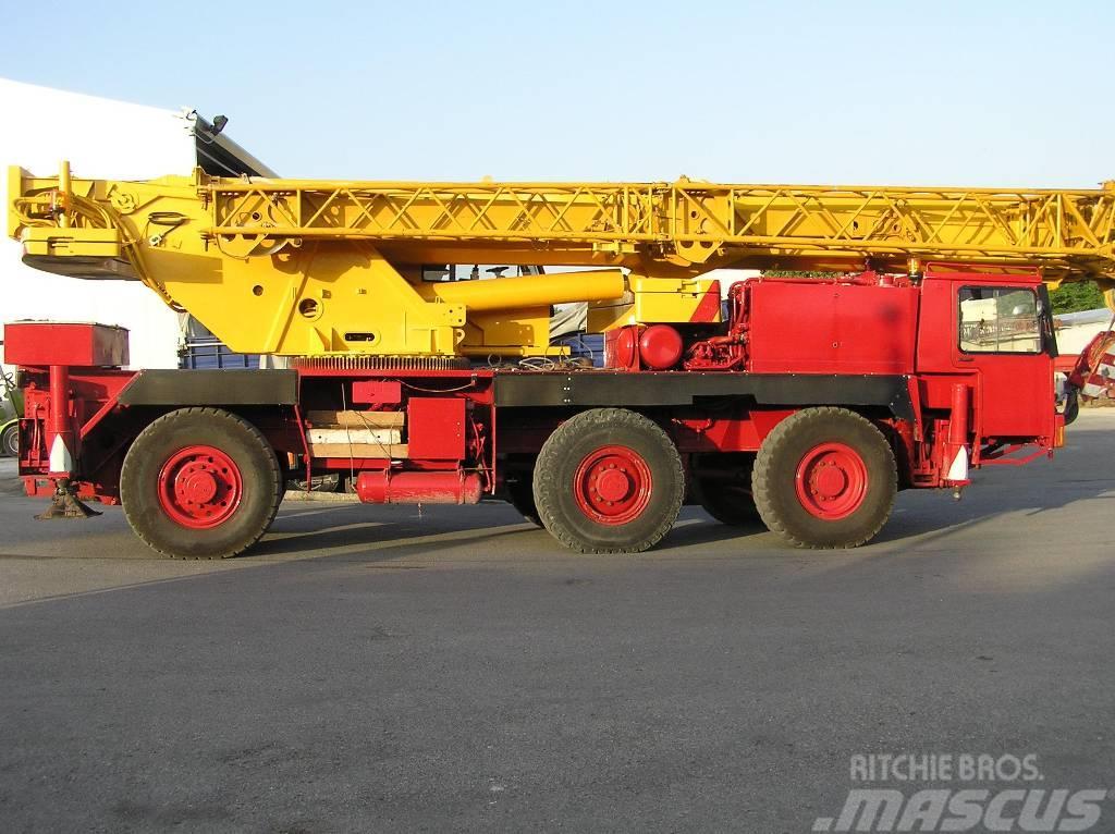 Liebherr LTM 1050
