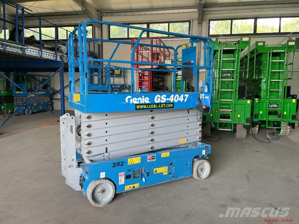 Genie GS 4047 / 261 operating hours