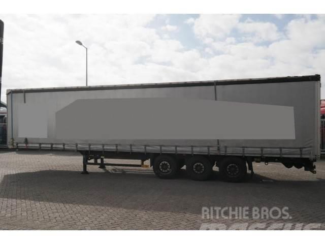Schmitz Cargobull 3 AXLE CURTAINSIDE TRAILER