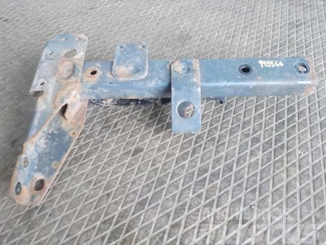 DAF XF105 Fender bracket front 1686536