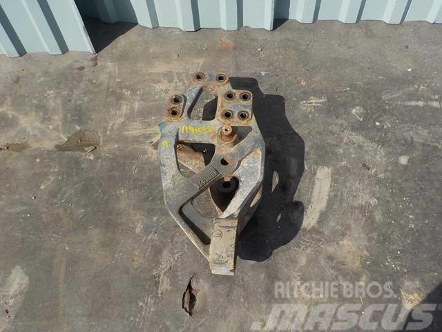 DAF XF 95 Spring bracket front 1606970 1606971 1779946