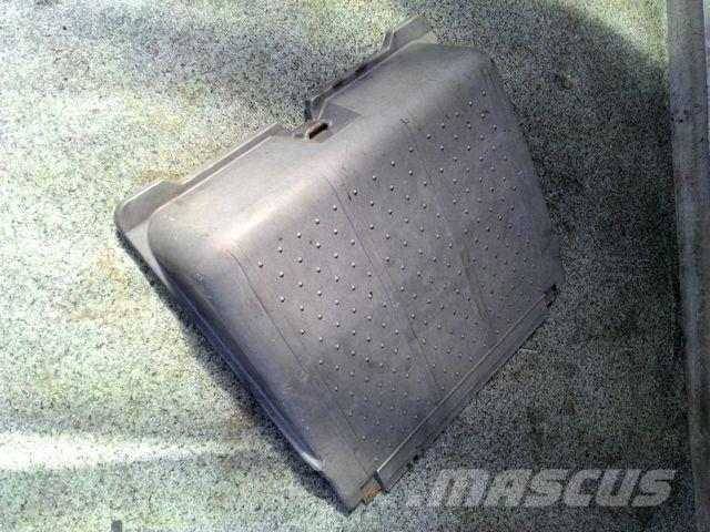 Mercedes-Benz Actros MPIII Battery box cover 9415410103 93054101