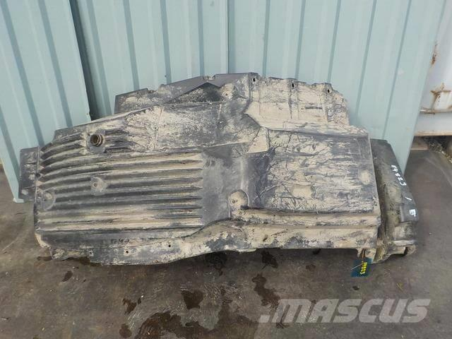 MAN TGA Fender front / front part 81612300209