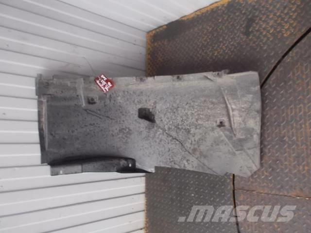 Mercedes-Benz Actros MPIII Fender front right 9408812501 9408813