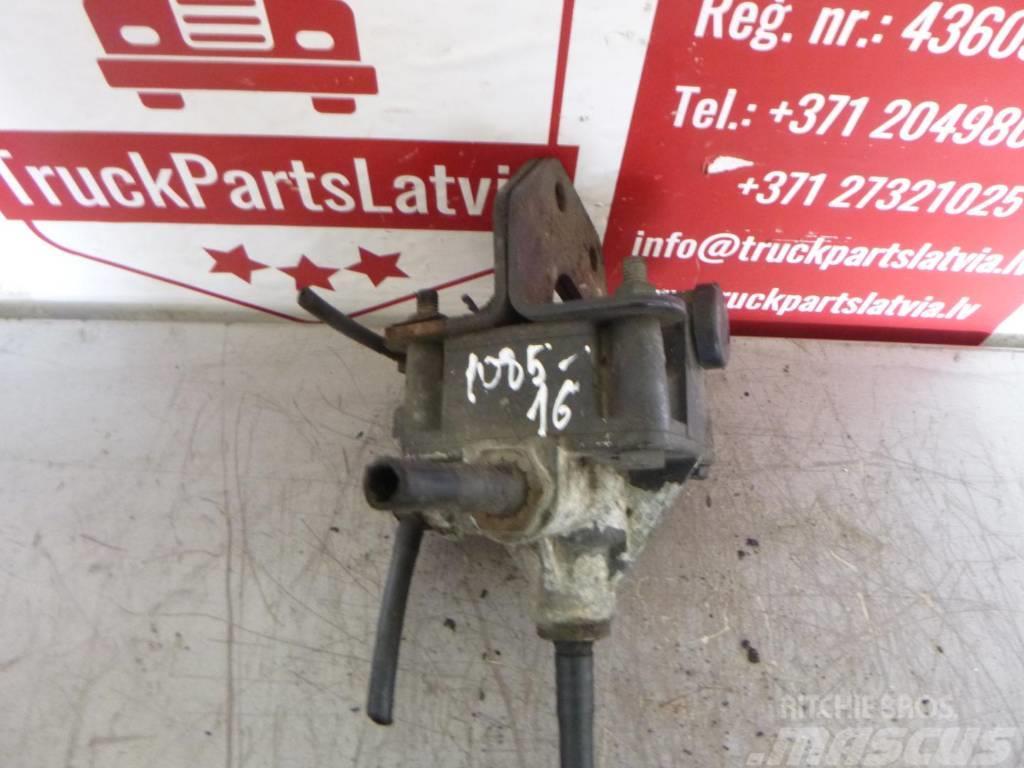 MAN TGX  Accelerator valve 81.52116.6089