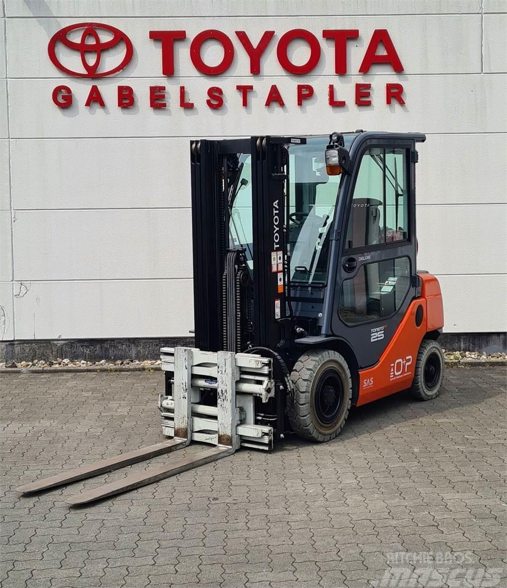 Toyota Tonero HST 06-8FG25F