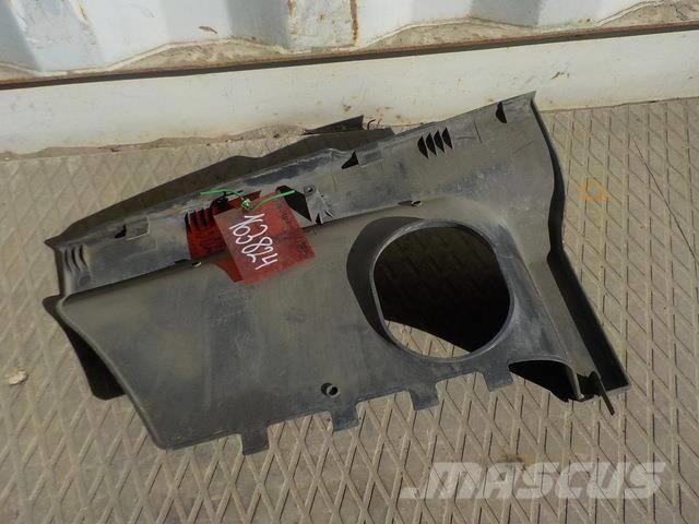 Scania 4 series Step cover left 1390075