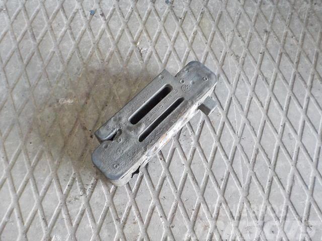 Mercedes-Benz Actros MPII Vibration damper 9305040114 9305040314
