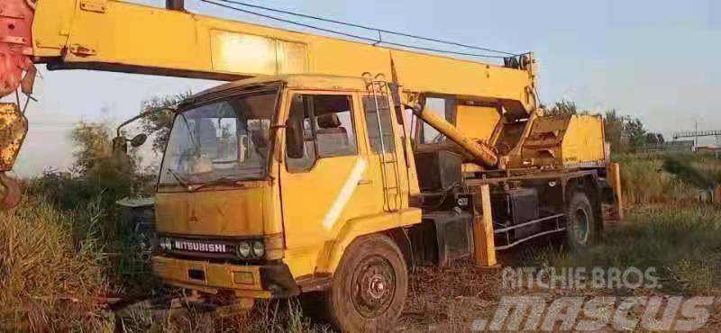 Kato 11 tons crane