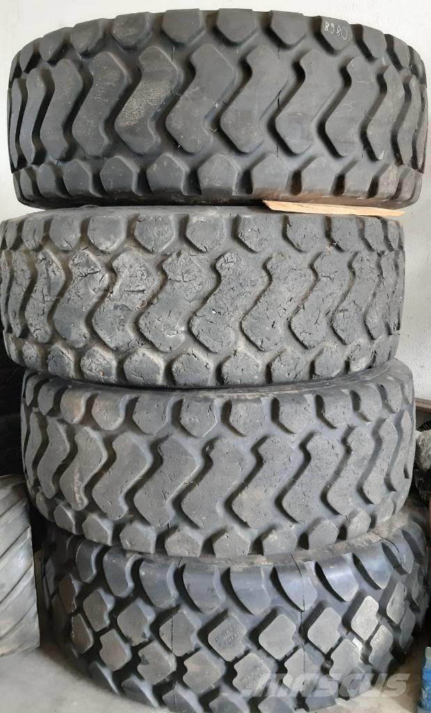 Michelin 20.5R25 Solid -4 Stück-