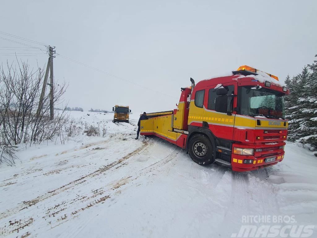 Scania P 94 D evacuator, heavy recovery