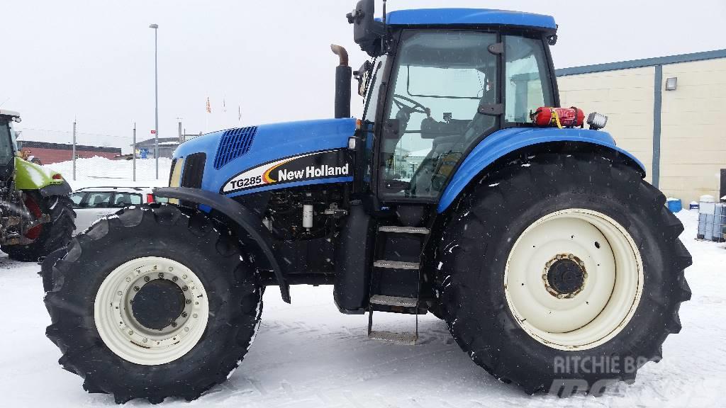 New Holland TG285 SuperSteer
