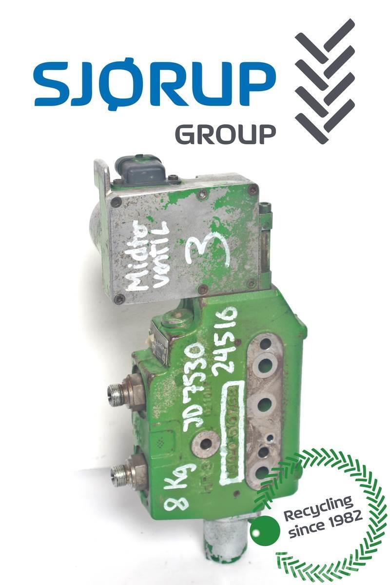 John Deere 7530 Remote control valve