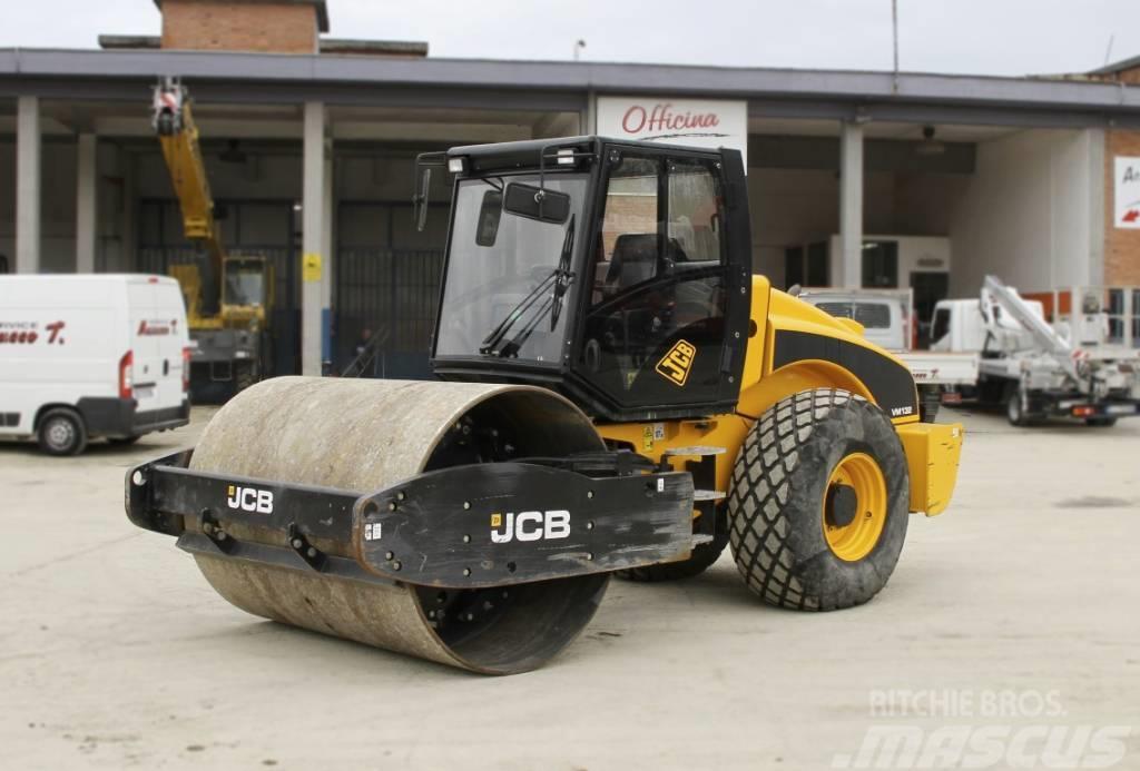 JCB VM 132
