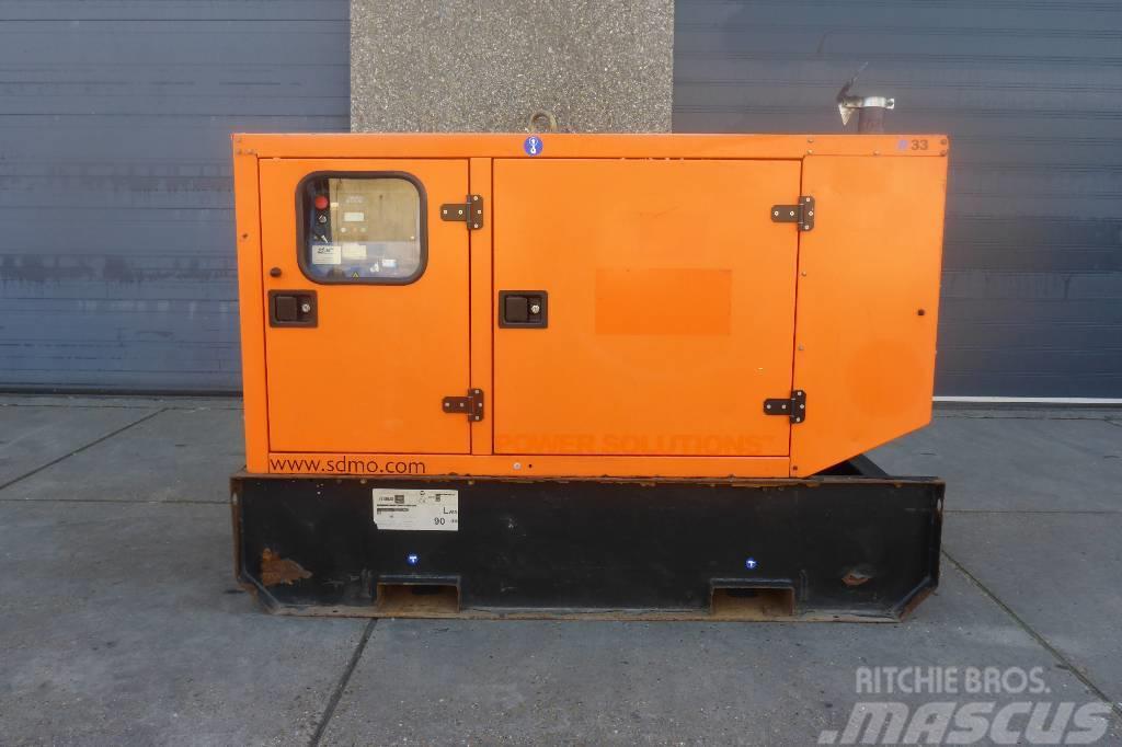 Sdmo R33 MITSUBISHI 33 KVA   SNS1107