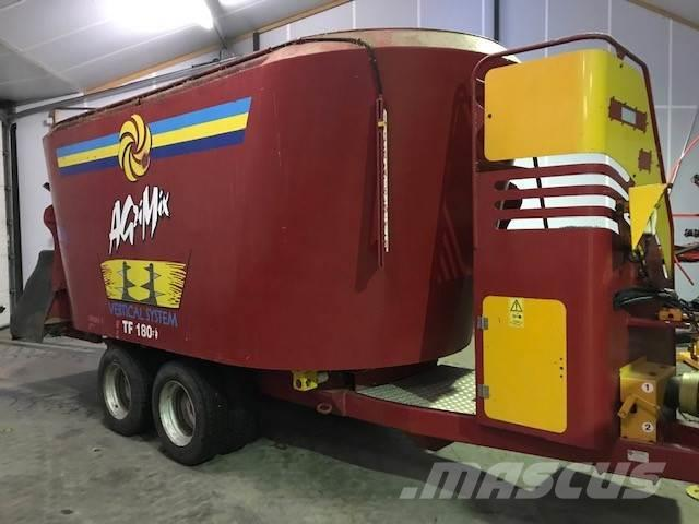 AGM TF 1800 voermengwagen