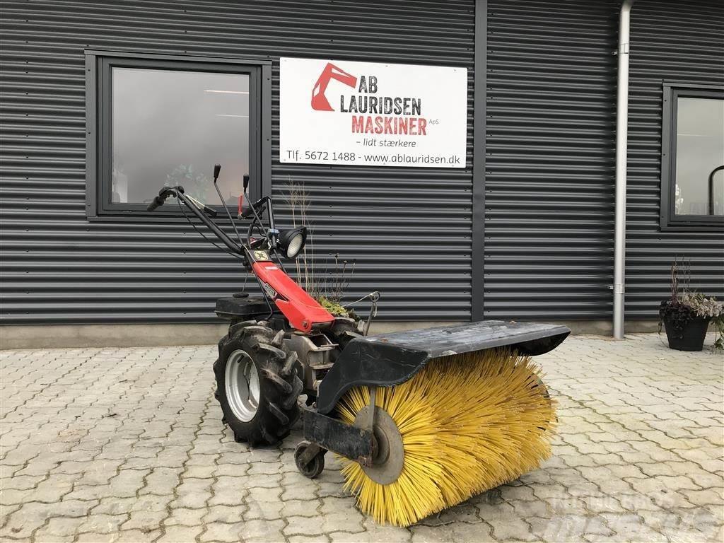 Antonio Carraro 2hjulet traktor med kost