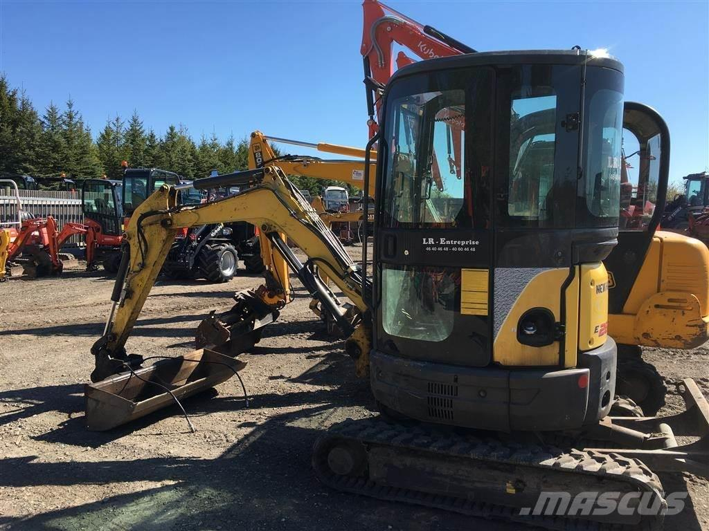 New Holland Kobelco E26