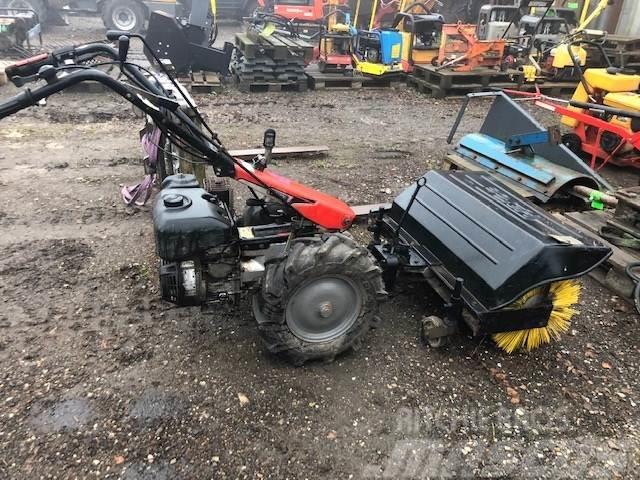 [Other] 2 hjulet traktor med kost