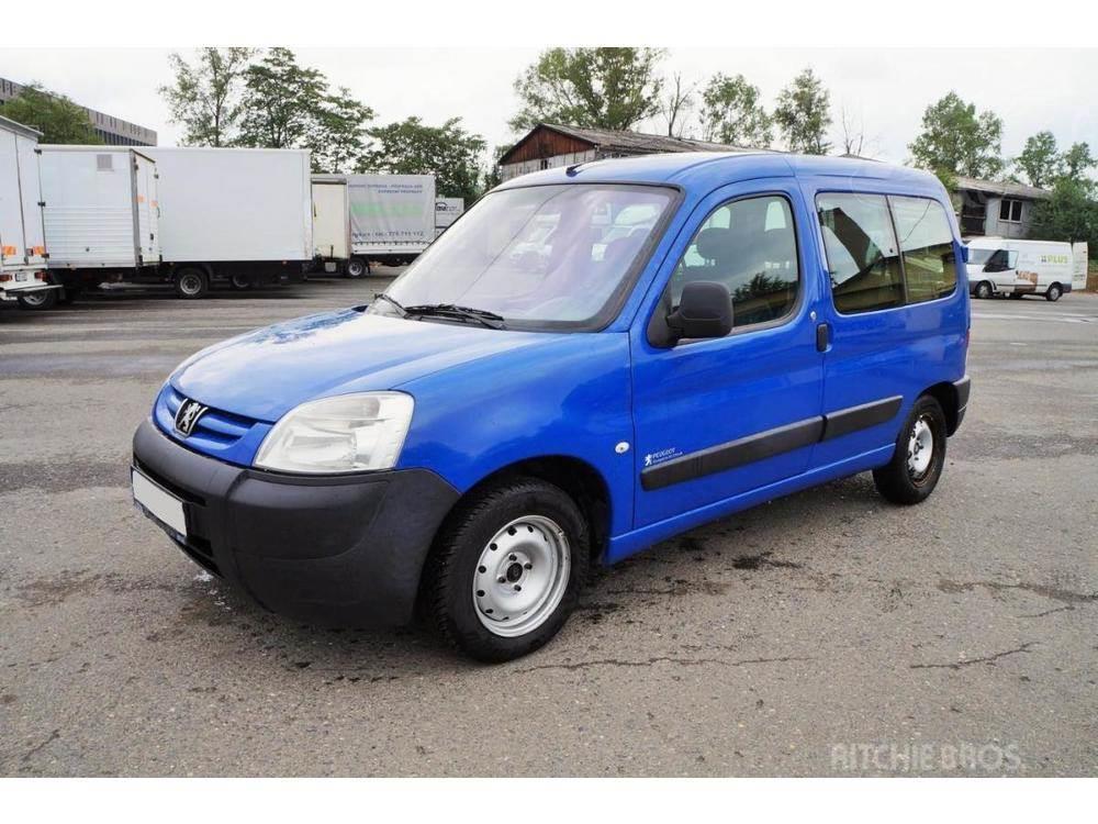 Peugeot Partner 1.6HDI/55kw 5 míst / klima