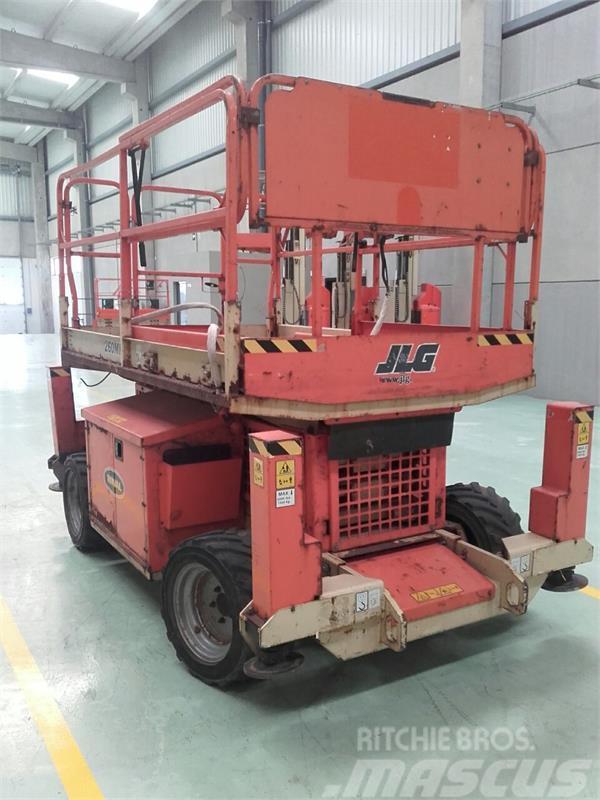 JLG 260MRT