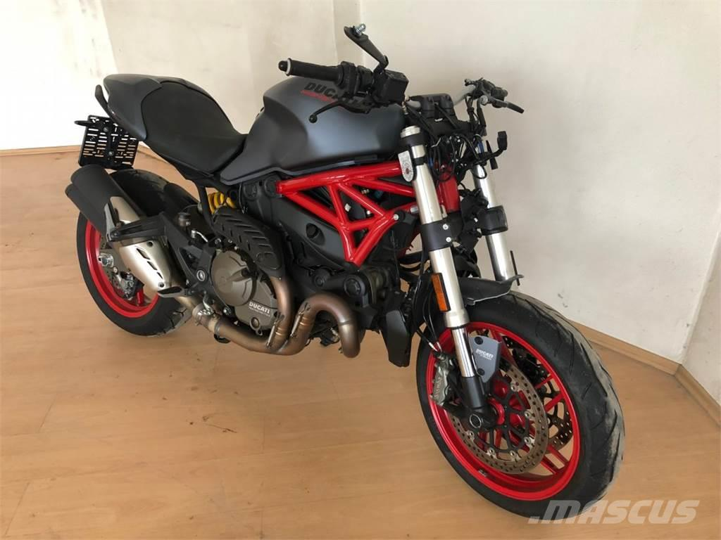 Ducati Monster 821 >> Ducati Monster 821