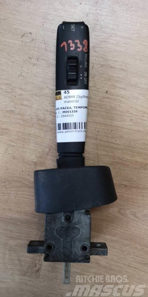 Volvo PÁČKA, TEMPOMAT 2944025